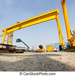 perspective cranes - Atmosphere in the construction and...