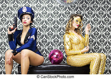 sexy policewoman watches over sexy jewel thief