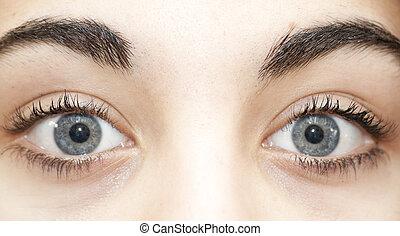 blue woman eye