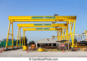 gantry crane - Atmosphere in the construction and...