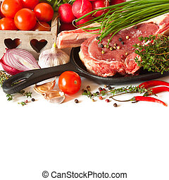 Fresh food. - Fresh raw meat and vegetables.
