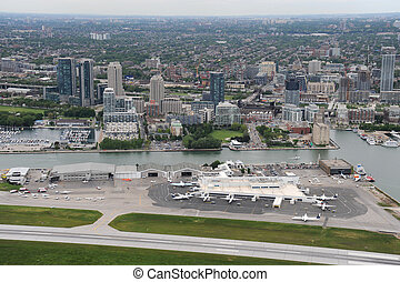 Billy Bishop Airport, Toronto, Ontario - Low flying around...