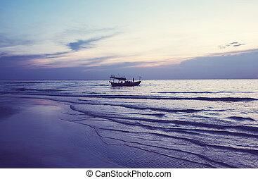 bote,  cambodia