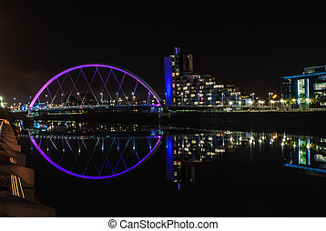 Clyde Arc bridge in Glasgow at night - Clyde Arc bridge over...