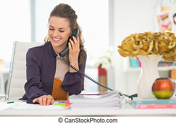 diseñador, oficina, Hablar, teléfono, Moda, feliz