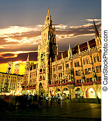 The Munich town hall - The town hall at the Marienplatz in...