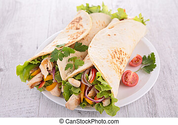 fajita with vegetable and chicken