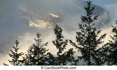 Mount Rainier, time lapse - Mount Rainier National Park,...