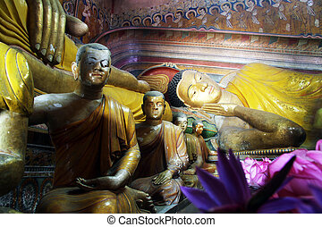 Wewurukannala Vihara - Statues in temple in Wewurukannala...