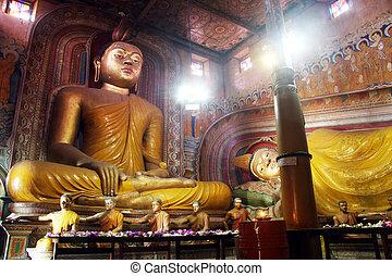 Wewurukannala Vihara - Seated and sleeping Buddhas in the...