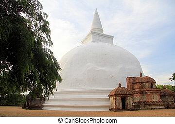 Kiri Vihara stupa in Polonnaruwa, Sri Lanka