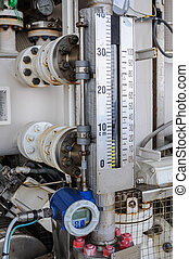 Level transmitter or level gauge, Equipment for sent signal...