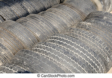 Many used tires arranging.