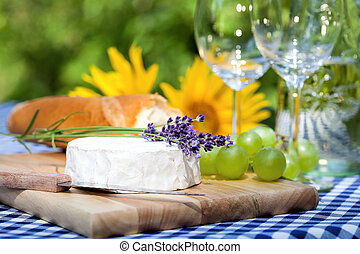 Summer lunch - A delicious summer lunch in the garden