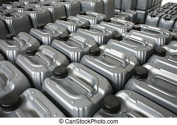 containers - Lubricating oil in typical containers
