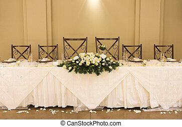 Wedding Table Setting - Main table at a wedding reception...