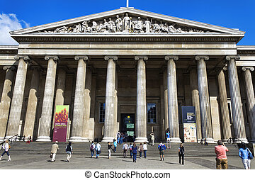 London - LONDON - AUGUST 5: The British Museum entrance...