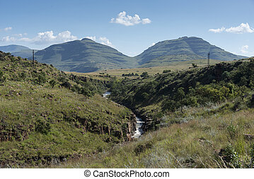 mountain drakensberg panoramaroute - mountains and river on...