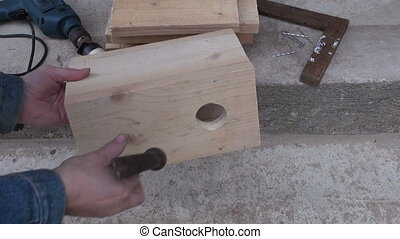 make new birdhouse in spring time