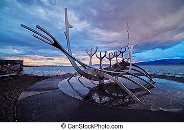 Solfar suncraft in reykjavik - Solfar Suncraft monument in...