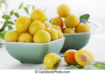 yellow plums, summer still life - Fresh fragrant yellow...