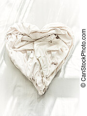bed sheet in shape of heart - Photo of bed sheet in shape of...
