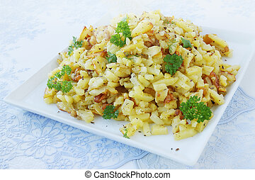 Fried finely sliced potatoes make at home