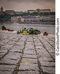 Jewish Memorial Budapest - The Shoes on the Danube Promenade...