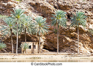Wadi Shab Oman - Image of Wadi Shab in Oman with rocks and...