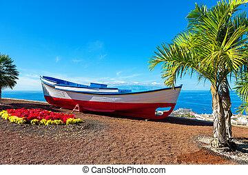 Old boat. Puerto de Santiago, Tenerife, Spain - Old fishing...