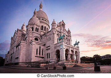 Basilica of Sacre Coeur, Paris before sunrice