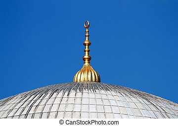 Golden alem on top of the Yeni Mosque domes at Istanbul
