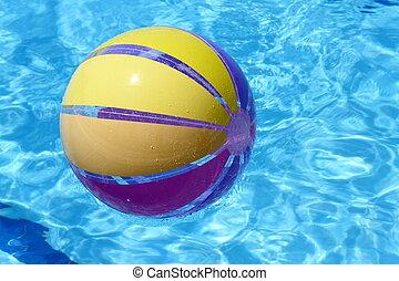 Beachball and swimmingpool. vacationZ