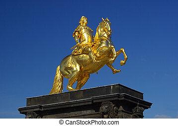 Dresden Golden Knight 01