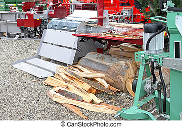 Log splitter - Wood and log splitter hydraulic machine