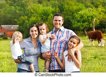 joven, familia, tres, niños, granja
