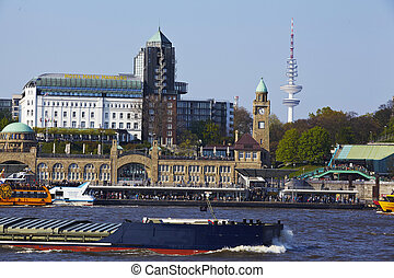 Hamburg - St Pauli gangplanks and river Elbe - The St Pauli...