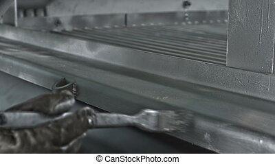 Painting steel with silver paint