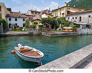 Lake Garda Lago di Garda Italy - Lake Garda Lago di Garda a...