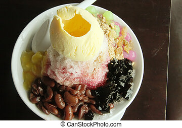 Shaved ice dessert - Traditional asian dessert of shaved ice...