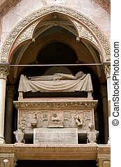Scaliger Tombs - Famous Scaliger Tombs of Verona rulers at...