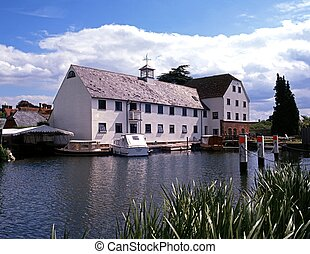 Mill by the river, Mill End, UK. - Hambledon Mill, Mill End,...