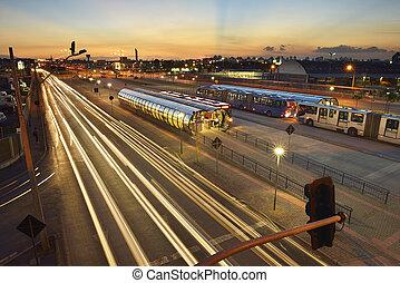 Bi-articulated, autobús, terminal