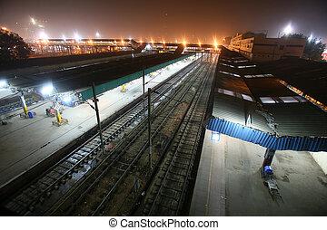 delhi train station - new delhi railway station at night,...