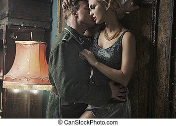 alemão, soldado, seduz, loiro, mulher, retro, sala