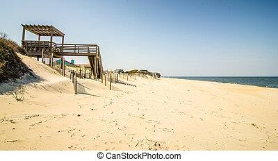 coastal access to the beach on ocean