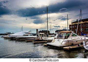 Boats at a marina in Fells Point, Baltimore, Maryland. -...