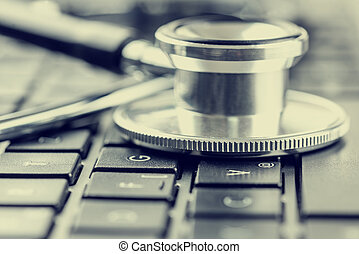 Online medical advice - Closeup view of the disc of a...