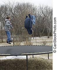 Saltar, dos, trampolín, niños