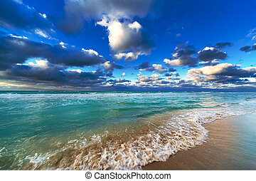 beautiful ocean and sky